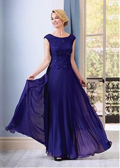 Stunning Chiffon Bateau Neckline A-line Mother of The Bride Dresses With Beadings