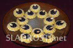 Kokosové věnečky s mandlí Biscuits, Muffin, Cooking, Breakfast, Cake, Desserts, Crack Crackers, Cuisine, Pie Cake