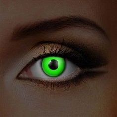 i-Glow Green UV Eye Accessories Pair.i-Glow Eye Accessories are the ultimate clubbing and party eye accessory. They glow under UV light, creating a very strong look Costume Contact Lenses, White Contact Lenses, Elf Make Up, Green Contacts Lenses, Colored Contacts, Eye Contacts, Laura Geller, Color Contacts For Halloween, Makeup Vintage