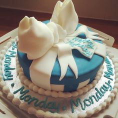 Littlemissimmyloves monday cake