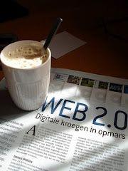Esta imagen se puede notar que en el periodico tiene escrito web 2.0 porque gracias a la internet ya no  nececitamos leer el periodico escrito en papel,porque en la web 2.0 se publican las noticias