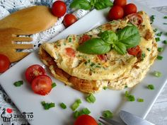 Zrób to smacznie           : OMLET JAJECZNY NA ŚNIADANIE Frittata, Brunch, Food And Drink, Healthy Eating, Cooking, Breakfast, Ethnic Recipes, Morning Coffee, Kochen