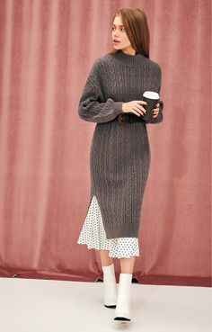 Dressy Casual Outfits, Casual Work Dresses, Casual Hijab Outfit, Knit Fashion, Fashion Fabric, Fashion Looks, Couture Mode, Couture Fashion, Long Sweater Dress