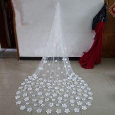 White+Ivory+1T++Flower+Edge+Bridal+Veil++Wedding+Veil+Knee+Floor+Chapel+Length