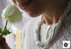 How to a make pearl necklace - video tutorial