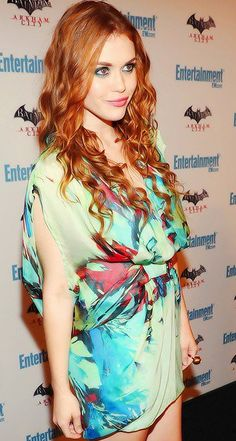 Holland Roden has gorgeous hair.