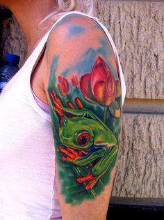 Tree Frog Tattoo - Top 30 Amazing Frog Design Ideas // May, 2020 Body Art Tattoos, Hand Tattoos, I Tattoo, Cool Tattoos, Tatoos, Awesome Tattoos, Nikko Hurtado, Banksy, Tree Frog Tattoos