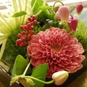 お友だちのお店「花coco」  花の持つ魅力、素敵ですね(^^)  用途に合わせて、最高のアレンジをしてくれます。