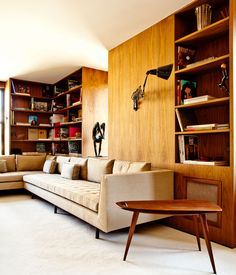 Apartment on the Upper East Side, NYC, decorated by Brazilian architect Isay Weinfeld.