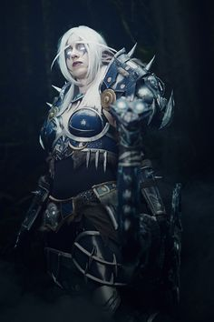 Night Elf Hunter from World of Warcraft Cosplay http://geekxgirls.com/article.php?ID=3086