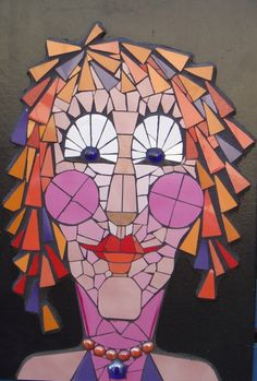 Sandra Sullivan- Interesting way to grout just around the central figure and leave the background unmosaiced. Mosaic Garden Art, Mosaic Flower Pots, Mosaic Pots, Mosaic Glass, Mosaic Tiles, Stained Glass, Mosaic Crafts, Mosaic Projects, Art Projects