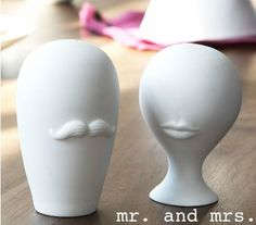 Saw these on Luckygirlfinds.com - salt & pepper shakers!!