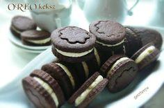 OREO keksz házilag Sweet Desserts, Oreo, Caramel, Vanilla, Cooking Recipes, Sweets, Cookies, Chocolate, Baking