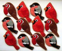 Christmas Felt Ornaments Felt Christmas Rudolph the by ynelcas Felt Diy, Felt Crafts, Fabric Crafts, Sewing Crafts, Felt Christmas Ornaments, Handmade Christmas, Christmas Tree, Bird Ornaments Diy, Cardinal Ornaments