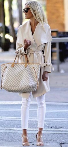 nude palettes / white jeans   wrapped coat