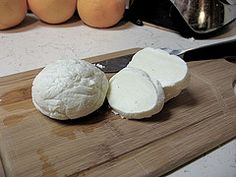 Have you ever made your own cheese? Try this homemade mozzarella #JuneDairyMonth