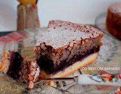 Воздушный кунжутный пирог с черникой