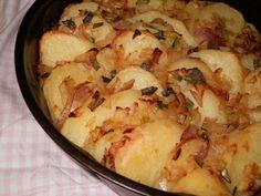 CARTOFI TARANESTI Romanian Food, Vegetable Recipes, My Recipes, Sprouts, Quiche, Mashed Potatoes, Good Food, Vegetables, Cooking