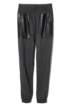 Shop Zippered Pockets Grey Pants at ROMWE, discover more fashion styles online. Romper Pants, Shorts, Comfy Pants, Latest Street Fashion, Grey Pants, Romwe, Style Me, Sweatpants, Ootd