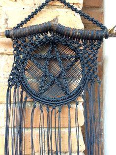 #pentagrama de macramê Simbolo de proteção. Deocoração da casa ou do altar. www.elo7.com.br/umsnart andrealagoa@gmail.com