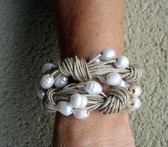 Bracelet linen pearl white natural big pearls wedding by espurna88, €24.90