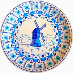 """Delft """"pottery"""" on paper plates! Art Lessons Elementary, Lessons For Kids, Projects For Kids, Art Projects, Delft, Artists For Kids, Art For Kids, Drawing Sheet, Thinking Day"""