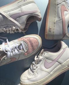 See more of americanteenager's content on VSCO. Pretty Shoes, Cute Shoes, Me Too Shoes, Baskets, Aesthetic Shoes, Aesthetic Dark, Aesthetic Pastel, Dream Shoes, Sock Shoes