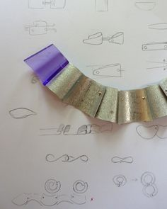 Drawing for a necklace with a purple link. Handcrafted jewellery. Atelier . Jan Kerkstra . Marion Pannekoek