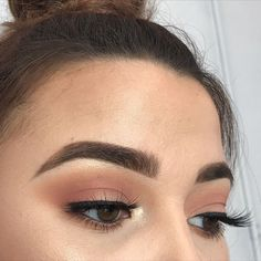 Gorgeous Makeup: Tips and Tricks With Eye Makeup and Eyeshadow – Makeup Design Ideas Sexy Eye Makeup, Makeup For Brown Eyes, Gorgeous Makeup, Skin Makeup, Simple Prom Makeup, Subtle Eye Makeup, Normal Makeup, Classy Makeup, Simple Eyeshadow