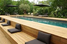 modern landscaping Above ground pool ideas to beautify a prefab swimming pool and give it a custom look. Ideas include above ground pool decks, modern landscaping and siding. Oberirdischer Pool, Swimming Pool Decks, Above Ground Swimming Pools, Swimming Pool Designs, In Ground Pools, Intex Pool, Lap Pools, Pool Backyard, Rectangle Above Ground Pool