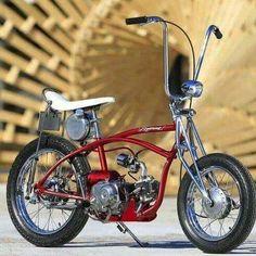 'old school schwinn style motorized bicycle' Mini Chopper, Chopper Bike, Mini Bike, Lowrider Bicycle, Motorised Bike, Honda Cub, Drift Trike, Motorized Bicycle, Motor Scooters