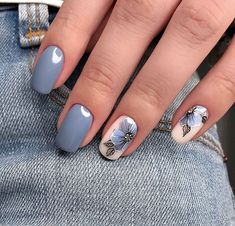 """If you're unfamiliar with nail trends and you hear the words """"coffin nails,"""" what comes to mind? It's not nails with coffins drawn on them. It's long nails with a square tip, and the look has. Grey Nail Designs, Nail Designs Spring, Nail Polish Designs, Diy Nagellack, Nagellack Trends, Wedding Nails Design, Blue Wedding Nails, Nail Wedding, Gray Nails"""