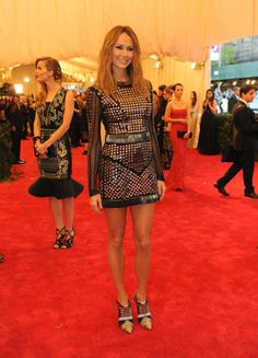 Stacy Keibler in Rachel Roy. (Photo: Jennifer Altman for The New York Times) Stacy Keibler, Met Gala Red Carpet, Costume Institute, Rachel Roy, Ny Times, Fashion Outfits, Women's Fashion, Leather Skirt, Style Me
