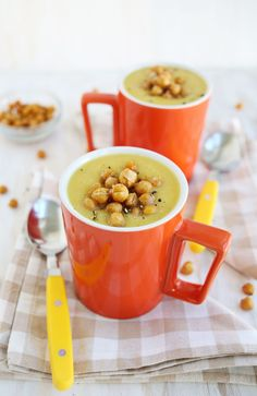 Acorn squash soup + roasted chickpeas
