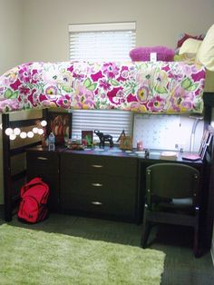 Dorm room idea APARTMENT/HOUSE OR DORM. I would do this but I don't want to loft 2 beds next semester