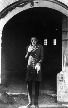 Max Schreck es Nosferatu (Dir. F.W. Murnau, 1922).   Photo by Stiftung Deutsche Kinemathek – © Kino International