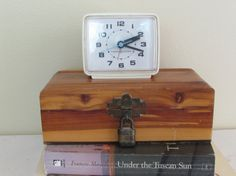 A touch of turquoise on the second hand.   Vintage Mid-Century General Electric Alarm Clock   Mary & Geneva  http://www.MaryAndGeneva.etsy.com