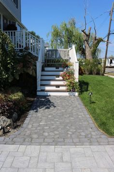 Love what you see? Check out Cambridge Pavingstones Steps and Walkways design gallery! Installation:Lopez Brothers