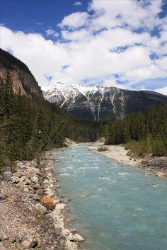 Kanada - der Traum eines jeden Road Trip Fans. Wilde Tiere, unfassbare Seen und unendliche Weiten. PASSENGER X nimmt dich mit auf 3 Wochen Abenteuer, von Toronto bis Vancouver.