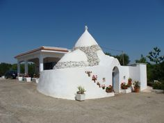 Do you wonder where to find this #trullo? In #Puglia, of course!
