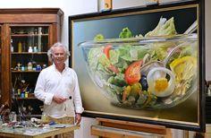 Gebakken eieren, patat, broodjes en ketchupflessen, Barbiepoppen, knikkers en herfstbladeren. Kunstenaar Tjalf Sparnaay brengt dit soort triviale onderwerpen in beeld en blaast ze op tot enorm formaat, als donderslagen op het netvlies. Zo'n vijftig van zijn olieverfschilderijen, gemaakt tussen 1989 en 2014, zullen van 17 januari tot en met 6 april  2015 te zien zijn in Museum de Fundatie in Zwolle.