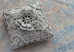Linen  pincushion  crochet motif  natural van namolio op Etsy