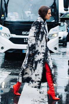 FWAH2017 street style paris fashion week fall winter 2017 2018 trends coats accessories sandra semburg 143