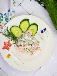 Cool, creamy, and sweet from the tiny shrimp, this keto Shrimp Salad with Dill is a keto wonder that comes together in just a few minutes! Dill Recipes, Keto Recipes, Avocado Egg, Avocado Toast, Sugar Detox Diet, Salad Rolls, Shrimp Salad, Lunch To Go, Plain Greek Yogurt