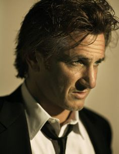 - Sean Penn - US actor, screenwriter and film director, 52 years of a very impressive career, (to me) best performance in 21 Grams, very active in political & social issues. One of my favourite actors. Sean Penn, Hollywood Actor, Hollywood Stars, Brad Pitt, George Clooney, Beautiful Men, Beautiful People, Greg Williams, I Love Cinema