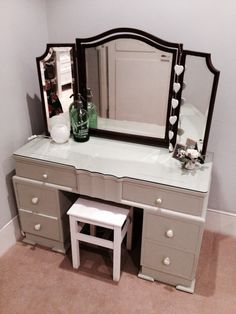 Upcycled dressing table for the bedroom . Dresser Makeovers, Furniture Refinishing, Dressing Table, Upcycled Furniture, Furniture Inspiration, Vanities, Bathroom Ideas, Projects To Try, Bedroom