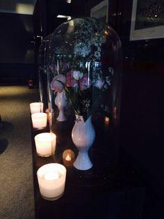 Stolpen met licht rozen bloemen