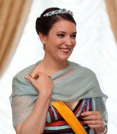 Princess Alexandra of Luxembourg wearing Aquamarine Bandeau tiara as she poses for photographers before the official dinner for National Day 2018 at the Ducal Palace in Luxembourg Royal Crowns, Royal Tiaras, Royal Jewels, Tiaras And Crowns, Princess Alexandra, Princess Stephanie, Luxembourg, Christian Ix, Royal Families Of Europe