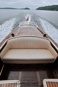 Antique Boat is an on-line marketplace designed to bring together those wishing to sell or trade their antique, classic, or used boat with those looking to buy. Wooden Speed Boats, Wood Boats, Sport Yacht, Classic Wooden Boats, Boat Design, Yacht Design, Boat Projects, Vintage Boats, Boat Stuff