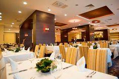 Prueba la gastronomía local e internacional en el restaurante del Hotel Riu Pravets. A tan solo unos minutos de Sofia capital y situado en un lugar inmejorable, el Hotel Riu Pravets está ubicado en la orilla de un enorme lago en la ciudad de Pravets, Bulgaria. Hotel Riu Pravets – Hotel en Pravets – Hotel en Bulgaria - RIU Hotels & Resorts